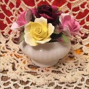 Vintage porcelain flower bouquet 💐